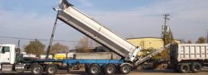 Conveyor bulk salt delivery truck