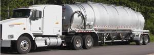 Pneumatic bulk salt delivery truck